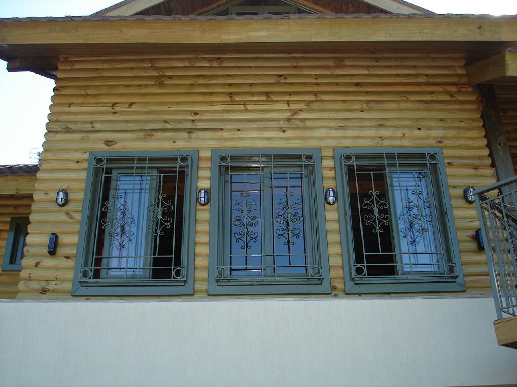 #604824 janela de correr com grades trabalhadas janelas de correr esquadrias 142 Janelas De Vidro Grade