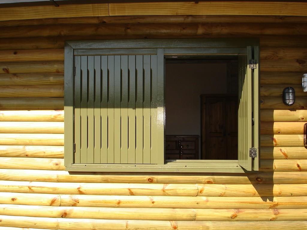 #B8AA13 janelas esquadrias em madeira esquadrias em madeira janela com tampão 3210 Janelas De Madeira Em Pelotas
