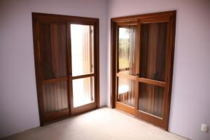 Porta janelas com tampão