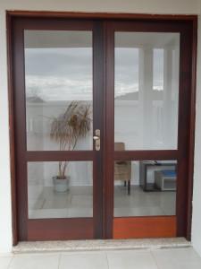 Porta externa dupla para vidros