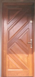 Porta externa com almofada