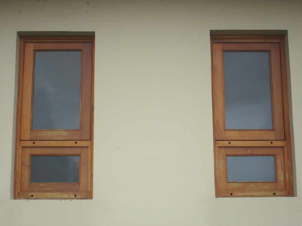 #6D4934 janela maxiar janela em madeira janelas janelas de correr com 3396 Janelas De Pvc Pelotas Rs